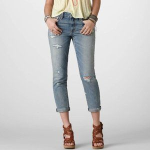 American Eagle Boyjean Distressed Light Wash Jeans